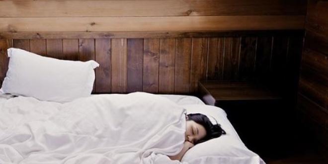 'Uyku apnesi, gece ani ölümlere yol açabilen bir sendrom'