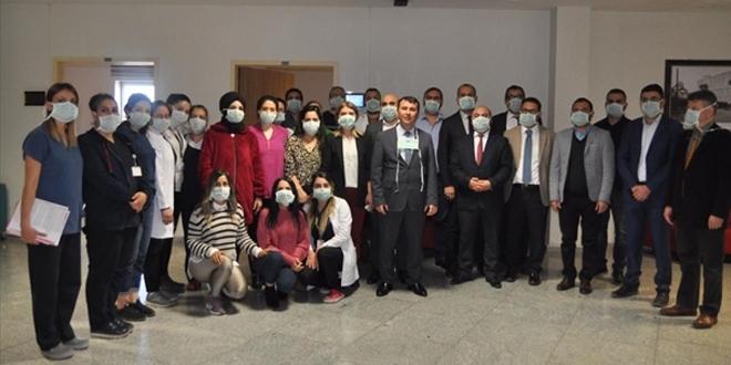 Sağlık çalışanlarından, lösemili hastalara klipli destek