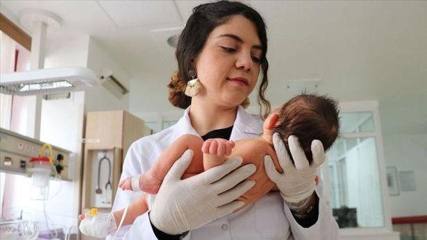 Preamtüre dünyaya geldi... Şimdi kendisi gibi prematüre doğanlara doktorluk yapıyor