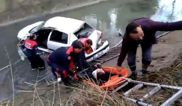Hastaneye giden hemşire kontrolden çıkan otomobiliyle sulama kanalına düştü