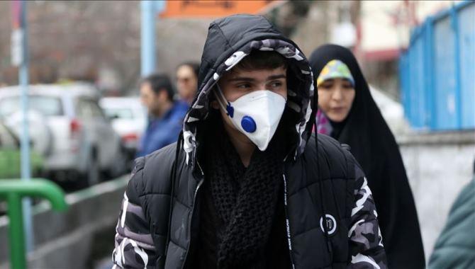 İran'da son 24 saatte 349 kişi Kovid-19'dan hayatını kaybetti