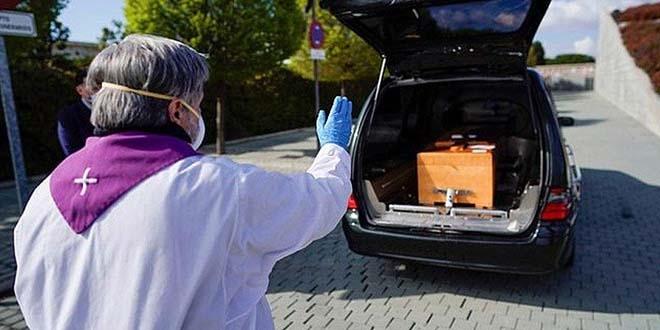 Dünya genelinde korona virüs ölümleri 300 bini aşarak, 300 bin 370'e ulaştı