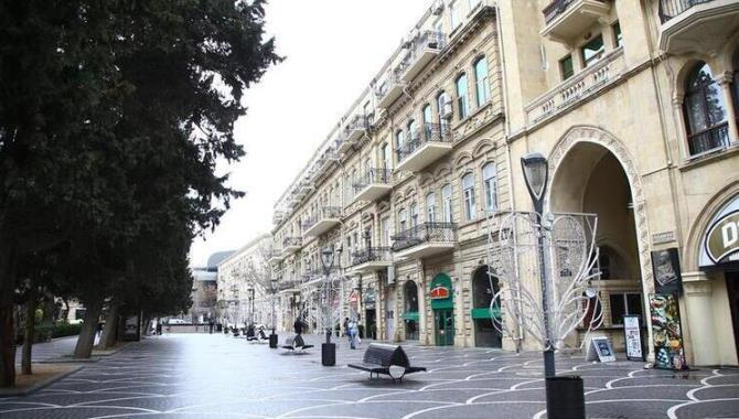 Azerbaycan'da 20 günlük sokağa çıkma yasağı ilan edildi