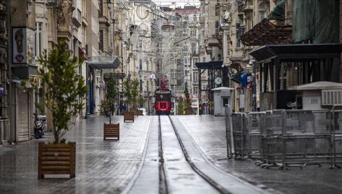 Yeni alınan Kovid-19 tedbirleri İstanbul'u sessizliğe bürüdü