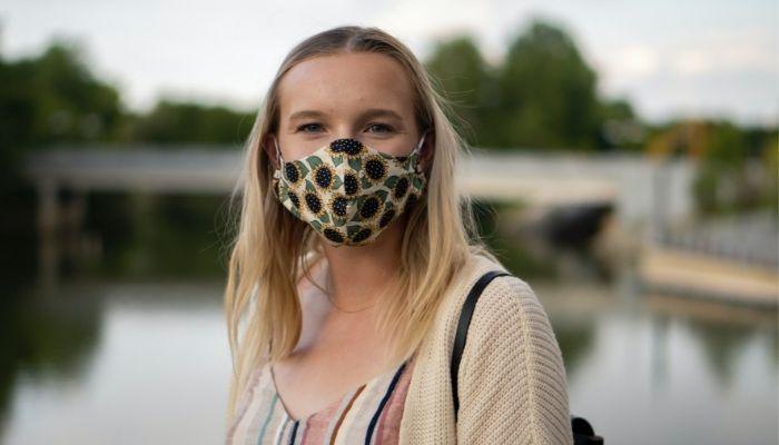 Kıyafetinize uygun desenli maskeler