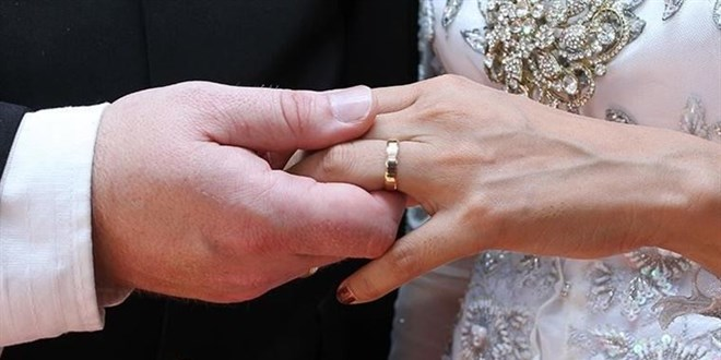 Öğrenciyken nişanlandı, doktor olunca nişanı bozdu