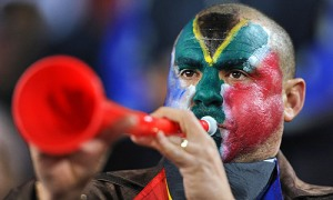 """Vuvuzela sağır edebilir"""