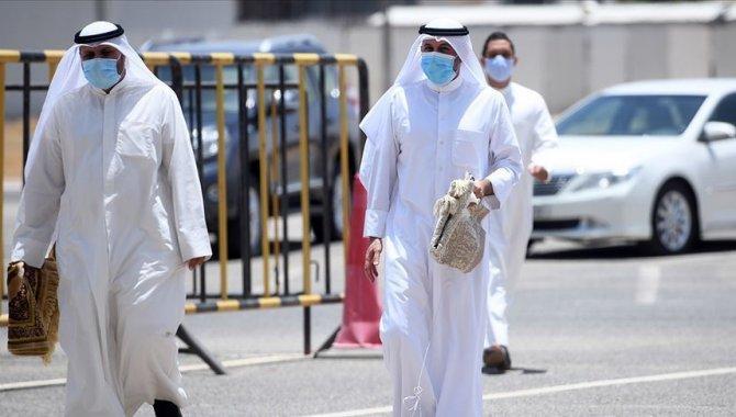 Umman ve Suudi Arabistan'da Kovid-19 kaynaklı ölümler arttı