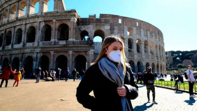 İtalya'da Kovid-19 salgınında günlük vaka sayıları 1000'in altına düştü