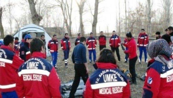 Kilis'te UMKE ekiplerine sahra hastanesi kurulum eğitimi verildi