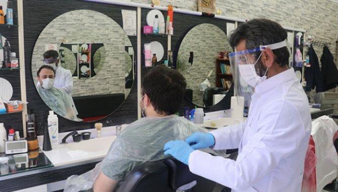 Berber ve kuaförler yarından itibaren Kovid-19 aşısı olabilecek
