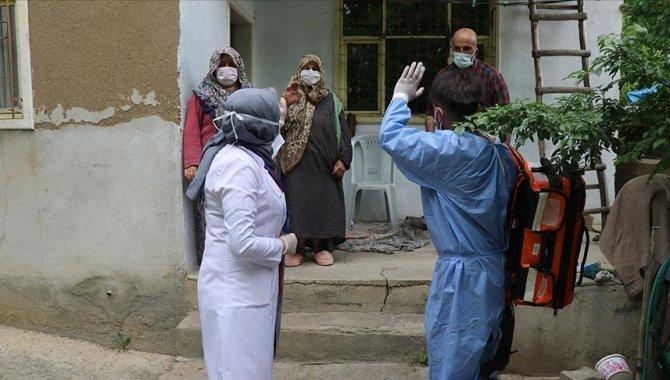 """Kırklareli'nde """"Koronavirüs savaşçıları""""ndan kırsalda aşı seferberliği"""