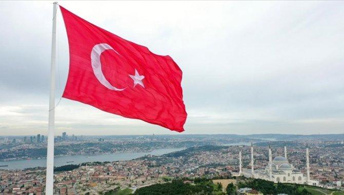 Türkiye, Kovid-19'a rağmen geçen yıl pozitif ayrıştı
