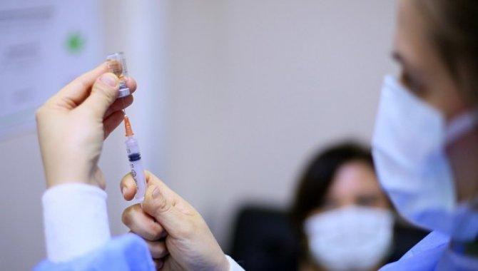 Hakkari'de belediye personeline Kovid-19 aşısı yapıldı