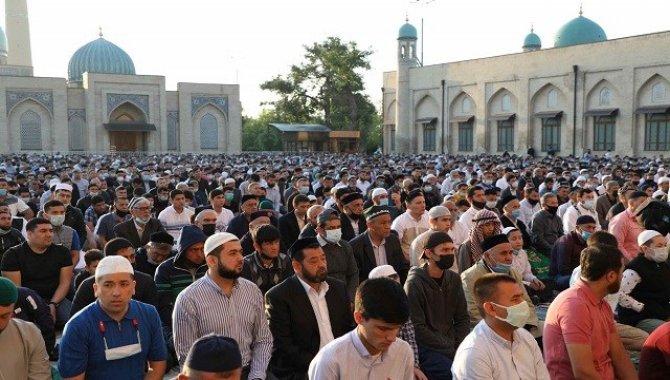 Özbekistan'da Kovid-19'dan iyileşenlerin sayısı 100 bini aştı