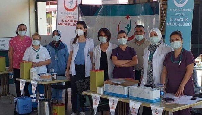 Söke'de bir AVM'de aşı istasyonu kuruldu