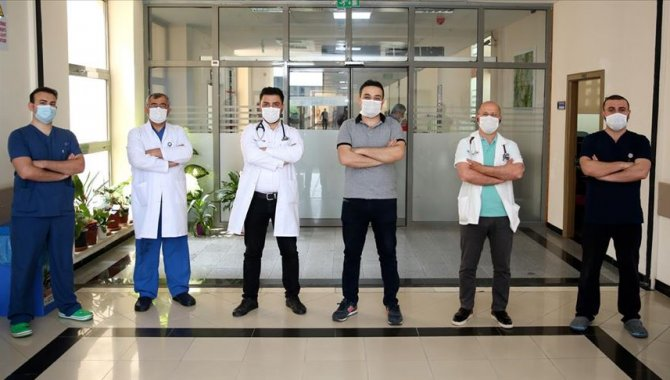 Fedakar sağlık çalışanı babalar, Kovid-19'la mücadelede yaşadıkları zorlukları unutamıyor