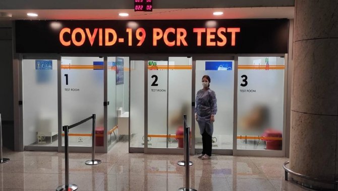 Havalimanlarında belli sayıda yolcuya örnekleme temelinde PCR testi yapılacak