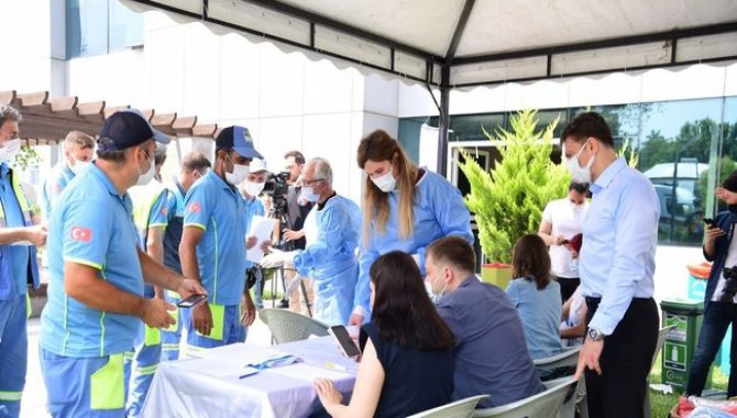 Bahçelievler Belediyesi, 250 personele ilk doz aşısını yaptırdı