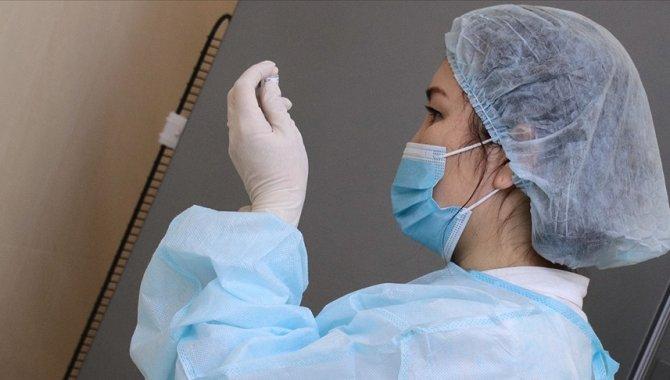 Kazakistan'ın başkentindeki kampanyada Kovid-19 aşısı olanlardan bir kişiye çekilişle ev hediye edilecek