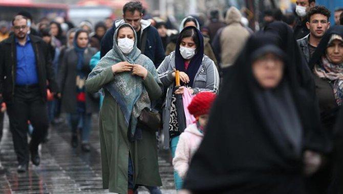 İran'da son 24 saatte 270 kişi Kovid-19'dan hayatını kaybetti