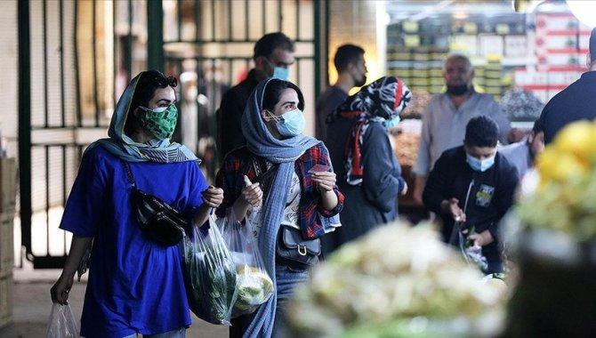 İran'da son 24 saatte 357 kişi Kovid-19'dan hayatını kaybetti