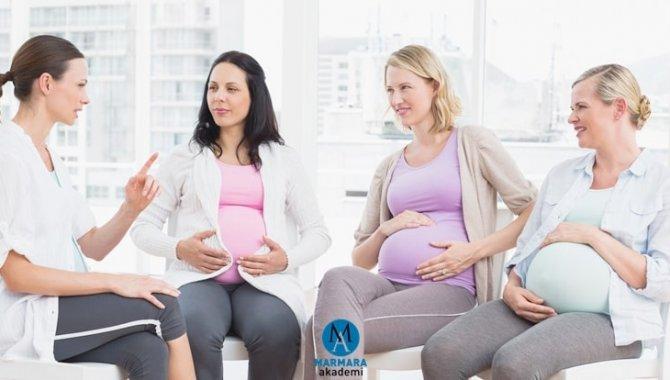 Ebelerin yerini alan doğum koçları sezaryeni azaltmak için anne adaylarını bilinçlendiriyor