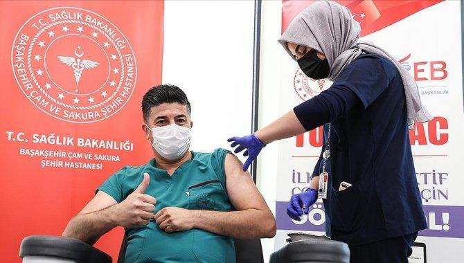 Üçüncü doz aşısını TURKOVAC yaptırmak isteyen gönüllülerin başvuruları alınıyor