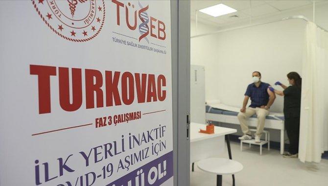 Bolu'da üçüncü doz aşısını TURKOVAC yaptırmak isteyen gönüllülerin başvuruları alınmaya başladı