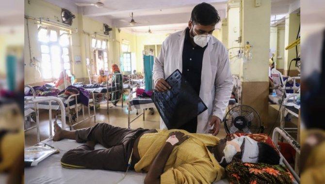 Hindistan'da siyah mantar enfeksiyonu nedeniyle ölenlerin sayısı 4 bin 332'ye ulaştı