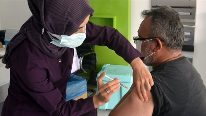 Tokat Sağlık Müdürü Sümbül, Kovid-19 aşılama oranında yüzde 65'i geçtiklerini açıkladı