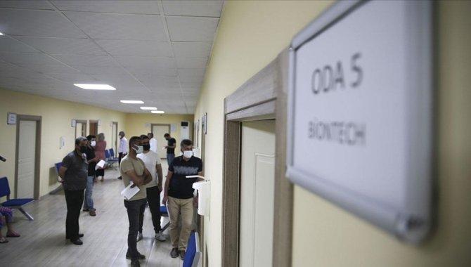 Şanlıurfa'da gençlerin Kovid-19'a karşı aşılanma oranı hediyelerle arttırılacak
