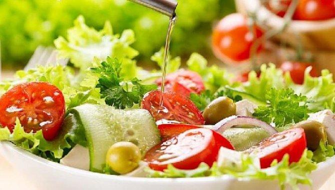 Salatada Bunlar Yoksa Ana Öğün Yerine Geçmez !