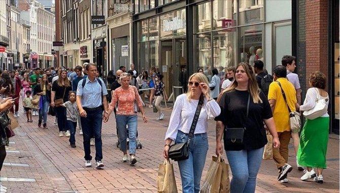 """Hollanda'da hükümet, """"riskli ülkelere seyahat"""" kurallarını değiştirdi"""