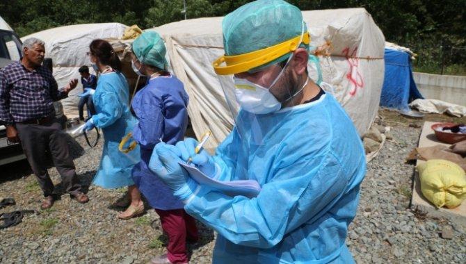 Ordu'ya fındık hasadına gelen mevsimlik işçilere Kovid-19 aşısı yapılıyor