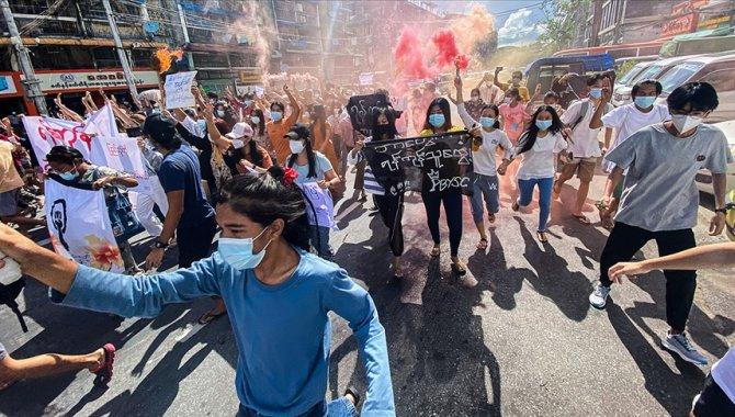 """Myanmar'da askeri yönetimin, Kovid-19 salgınını muhalefete karşı """"silah haline getirdiği"""" iddia edildi"""