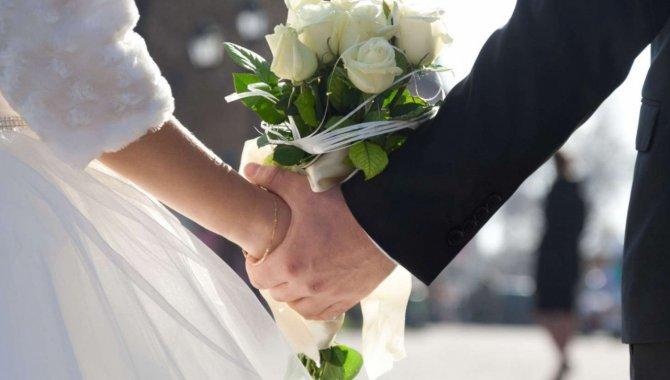 Kilis'teki otel, Kovid-19 aşısını olan çiftlerin düğününü yüzde 50 indirimli yapacak