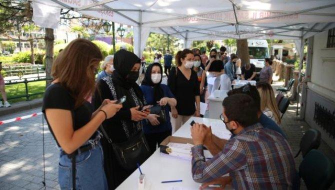 En az bir doz aşılanma oranı yüzde 75'in üzerine çıkan Eskişehir'de aşı çalışmaları sürüyor