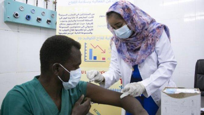 Güney Afrika'da uygulanan Kovid-19 aşısı 7,5 milyon dozu geçti