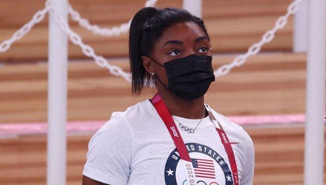 ABD'li cimnastikçi Simone Biles, Tokyo 2020'de yer hareketleri finalinden çekildi