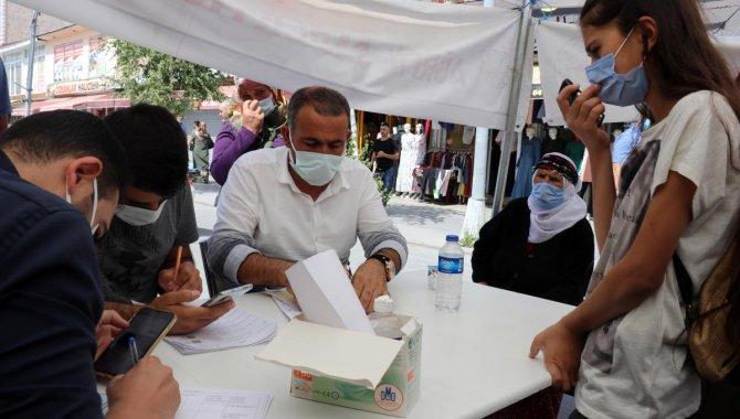 Kovid-19 vakalarının en çok arttığı illerden Ağrı'da sağlık ekiplerinin aşı seferberliği sürüyor