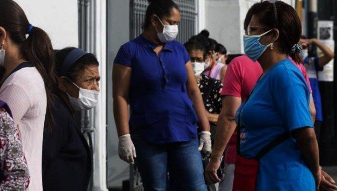 Kolombiya'da Kovid-19 nedeniyle ölenlerin sayısı 121 bini aştı