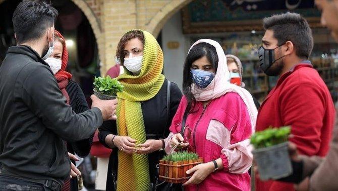 İran'da son 24 saatte Kovid-19'dan 434 kişi hayatını kaybetti