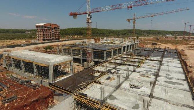 Antalya Şehir Hastanesinin inşası sürüyor