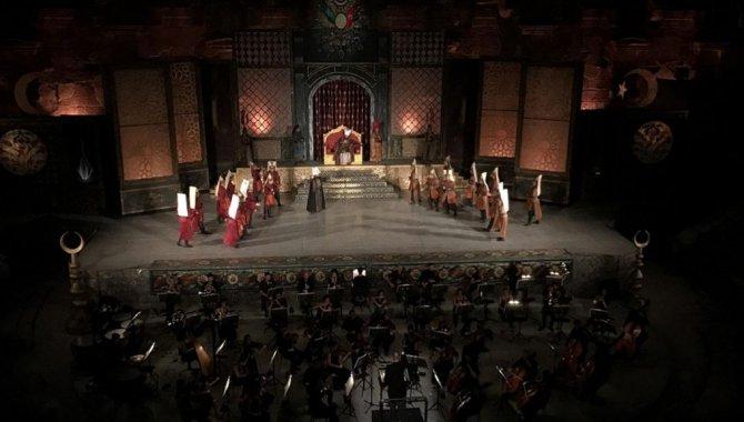 """28. Uluslararası Aspendos Opera ve Bale Festivali'nde """"Pandemic"""" adlı bale eseri sahnelendi"""