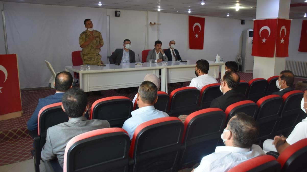 Mardin'de muhtarlara yönelik Kovid-19 aşısı bilgilendirme toplantısı yapıldı