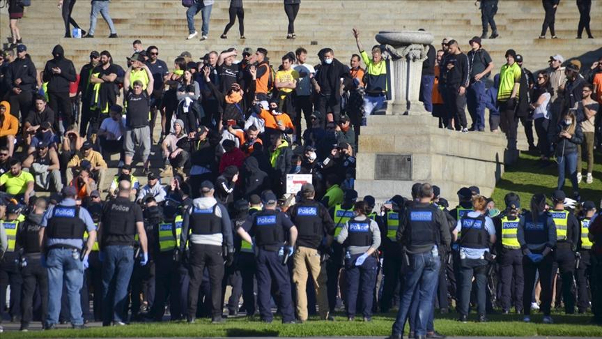 Avustralya Başbakanı Morrison, Anzak Anıtı'nda gösteri yapan Kovid-19 aşı karşıtlarını kınadı