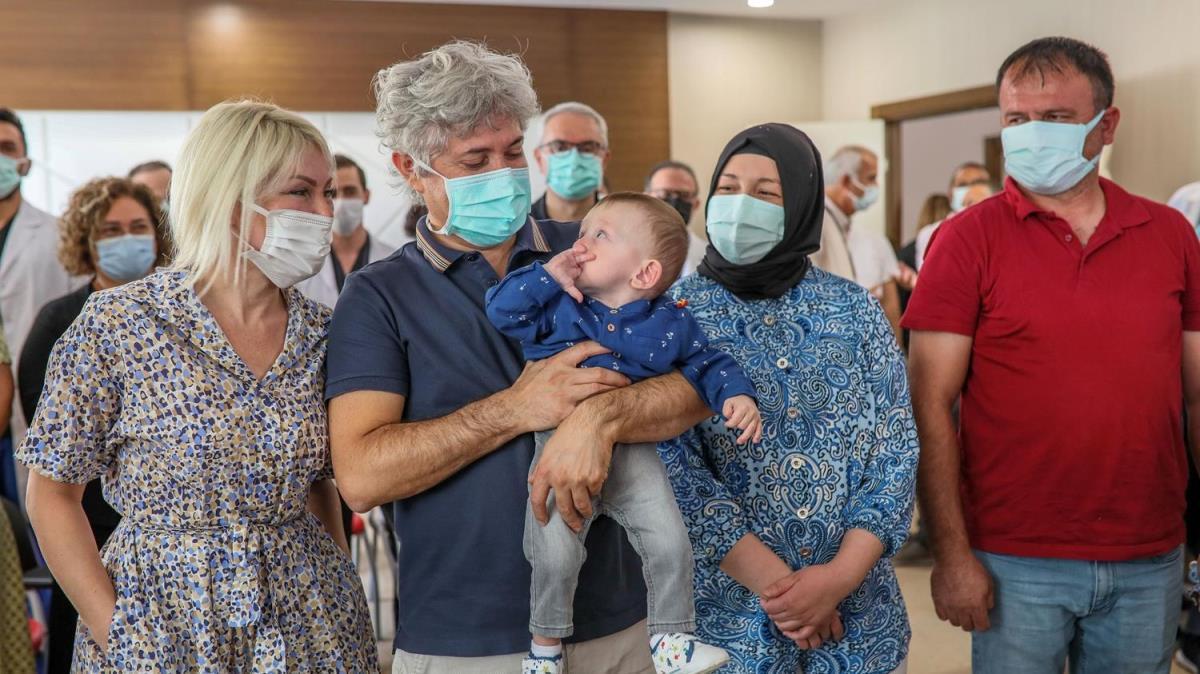 Türkiye'nin ikinci rahim naklinin yapıldığı Havva Erdem taburcu edildi