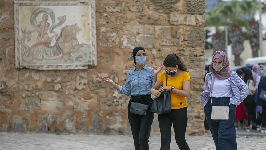 Tunus'ta Kovid-19 nedeniyle uygulanan gece sokağa çıkma yasağı sonlandırıldı