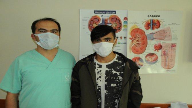 Kırşehir'de hastanın böreğindeki taşlar kapalı ameliyatla çıkarıldı